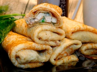 Блинчики с начинкой из курицы, шампиньонов и сливок