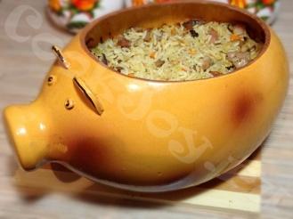 Рис в глиняном горшочке, запеченный в духовке