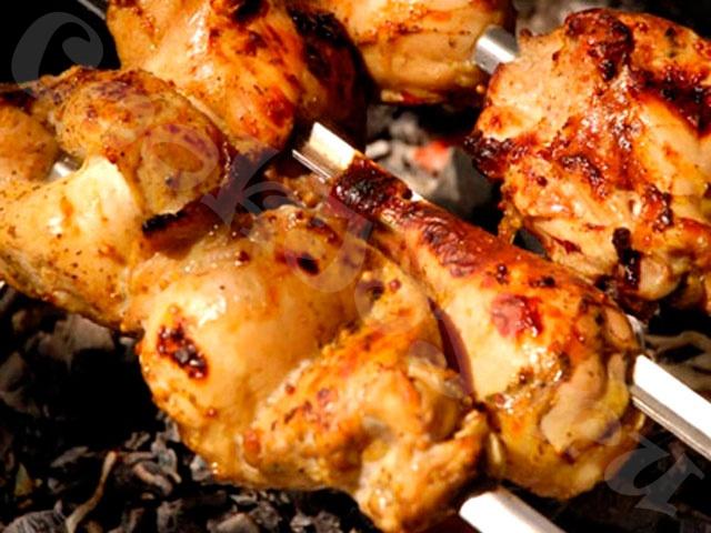 Куриный шашлык в соевом соусе и майонезе