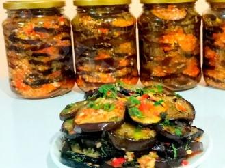 Закуска из жареных баклажанов в чесночном маринаде