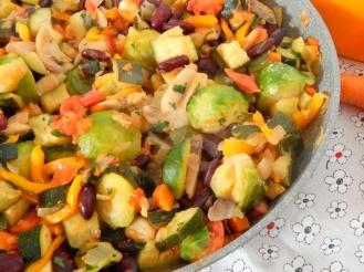 Овощное рагу c шампиньонами и фасолью