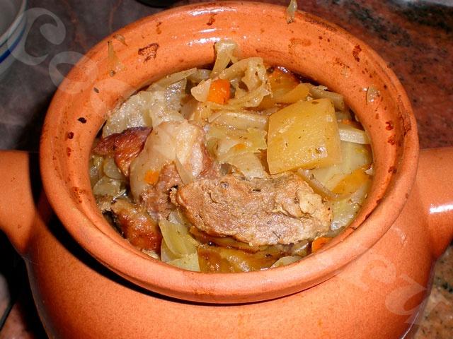 Горшочки c мясом и картофелем