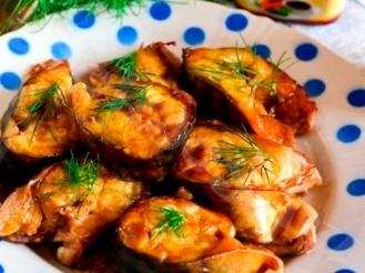 Скумбрия в горчичном соусе с чесноком