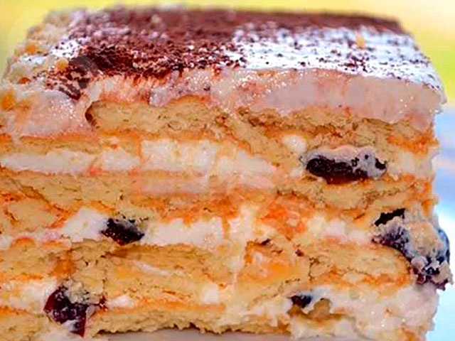 Торт без выпечки из печенья