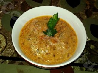 Сметано-томатный соус с грибами