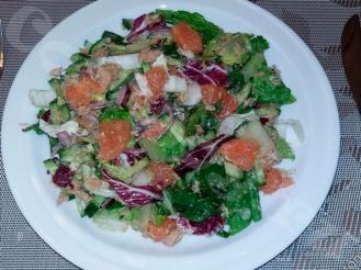 Салат из тунца и грейпфрута