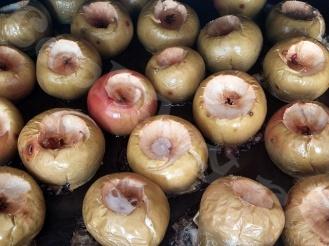 Печёные яблоки в духовке с сахаром