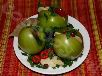 Зеленые помидоры, посоленные в пакете