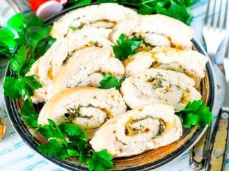Куриный рулет с сыром и зеленью на скорую руку