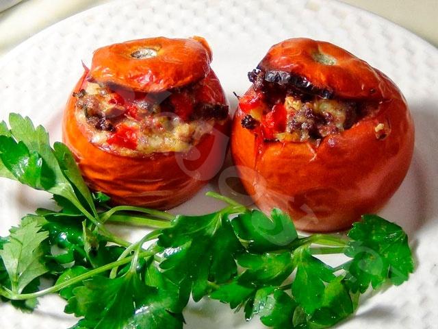 Запеченные фаршированные помидоры с мясной начинкой