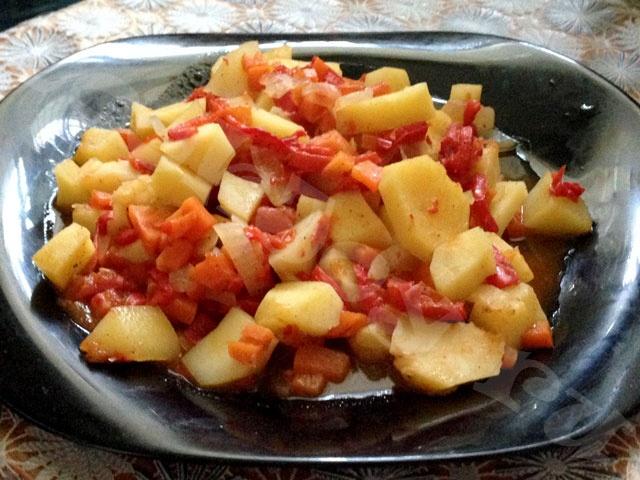 Овощное рагу с картофелем в мультиварке