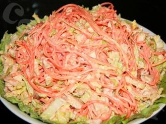 Салат с корейкой морковью, куриной грудкой и сыром